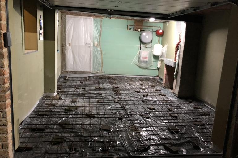 Vernieuwing garagevloer in gepolierd beton 4