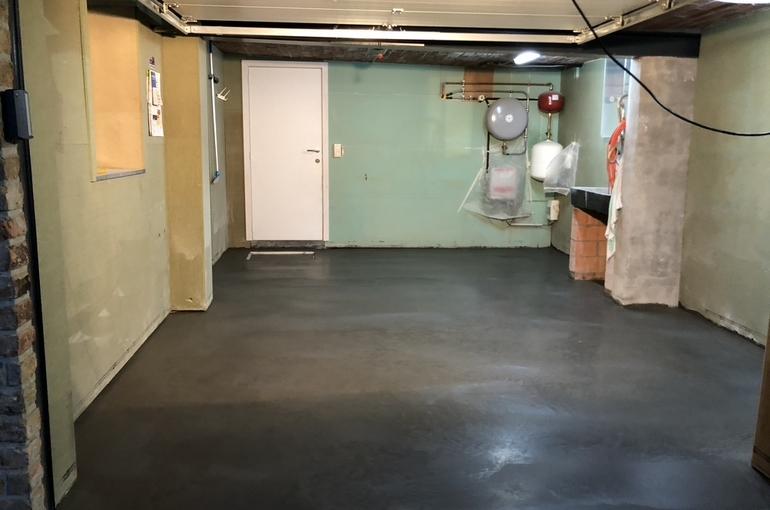 Vernieuwing garagevloer in gepolierd beton 8