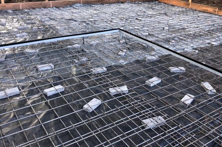Rode gepolierde betonvloer 18
