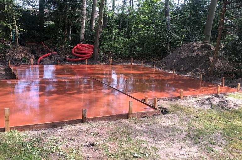 Rode gepolierde betonvloer 31