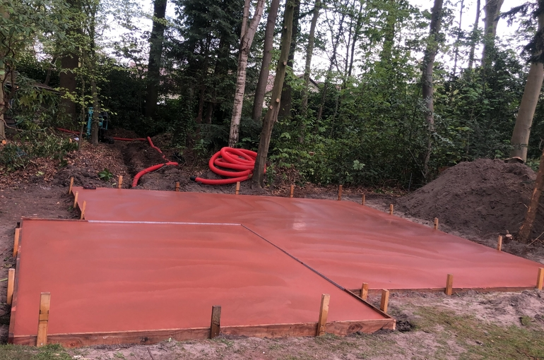 Rode gepolierde betonvloer 30