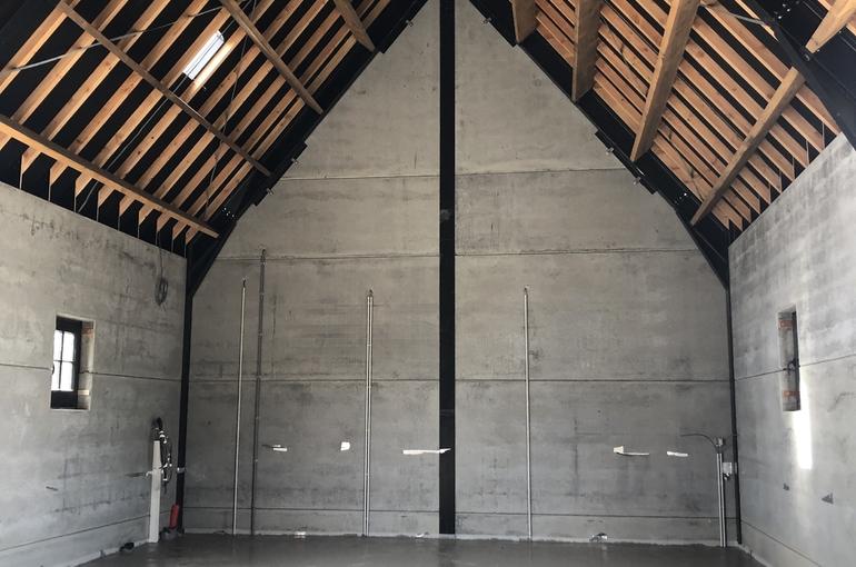 Gepolierde betonvloer in schuur 1