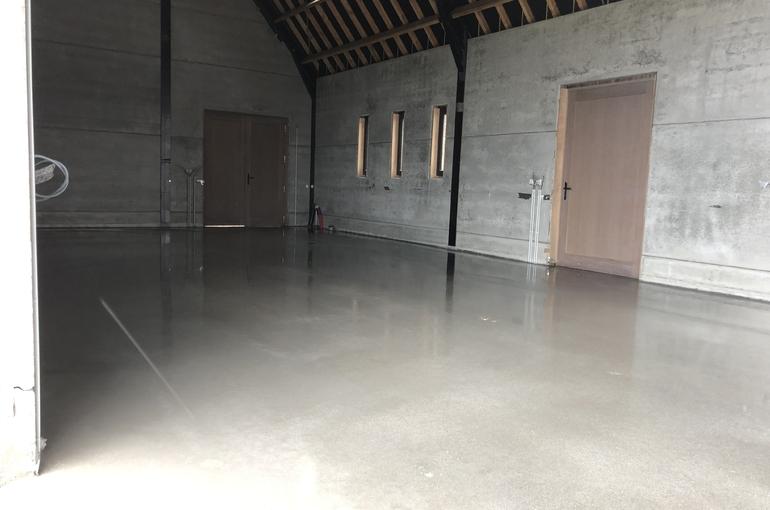 Gepolierde betonvloer in schuur 3