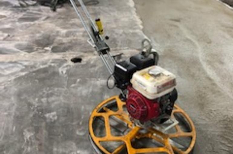 Herstelling van bestaande betonvloer in garage 4