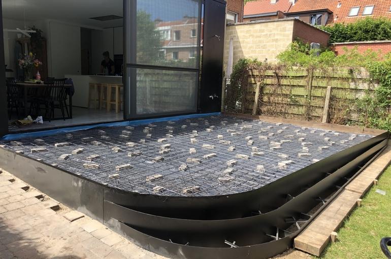 Terras in gepolierd beton met ronde treden 5