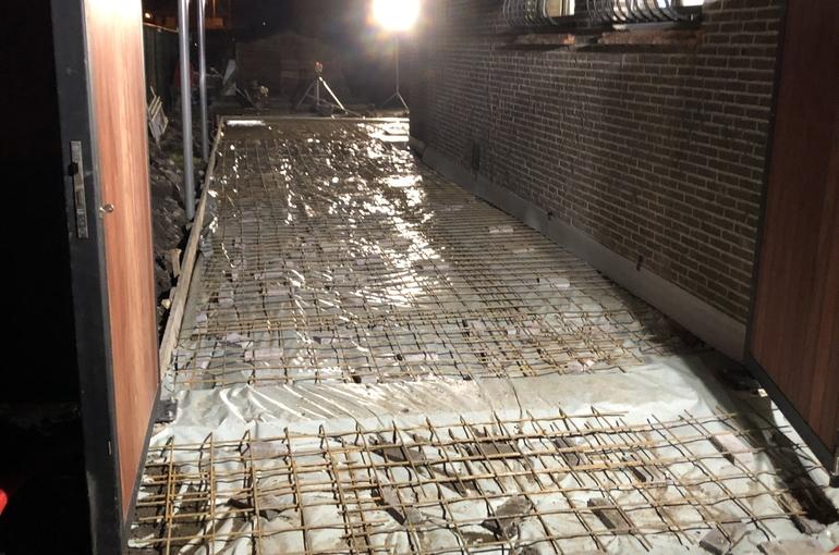Terras en oprit in gepolierd beton 6