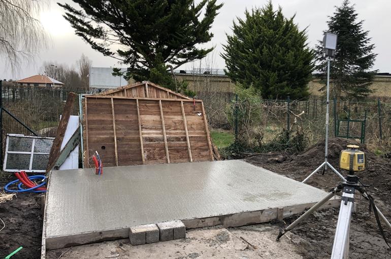 Terras en oprit in gepolierd beton 8