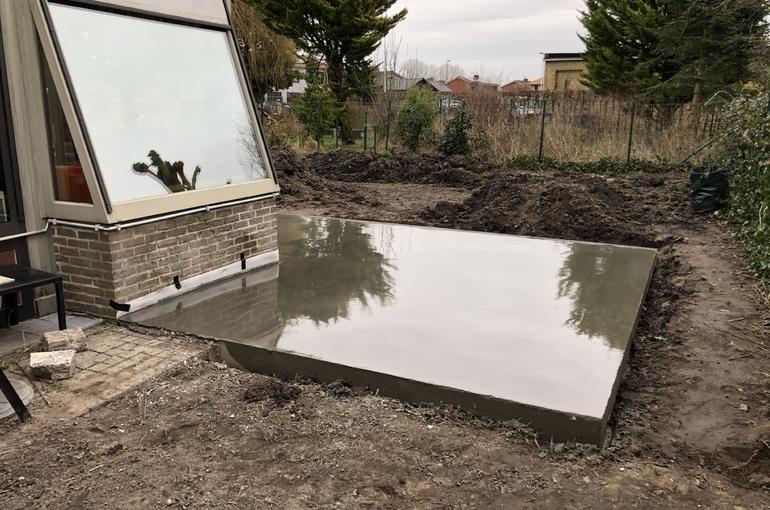 Terras en oprit in gepolierd beton 10