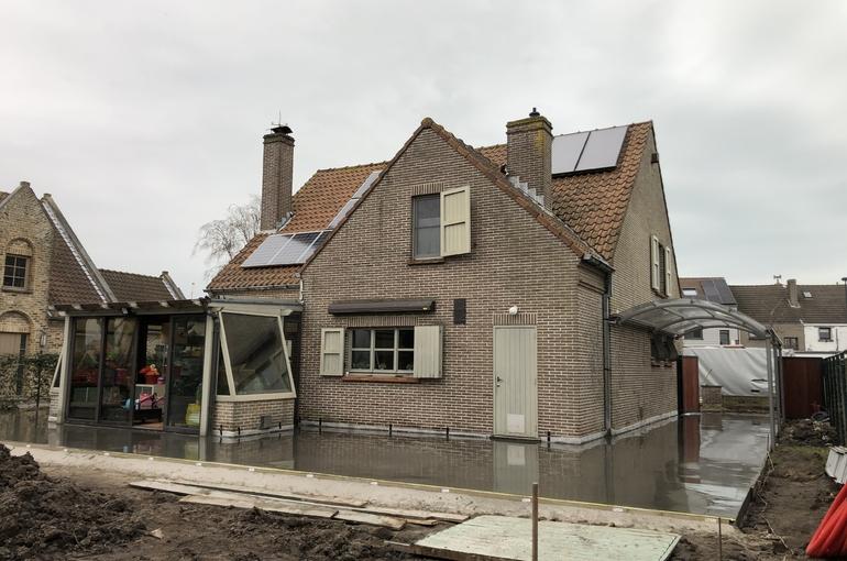 Terras en oprit in gepolierd beton 12
