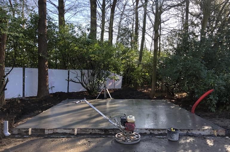Vervangen van asfalt door betonvloer 4