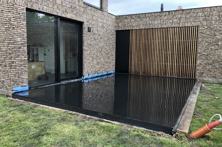 Zwart gepolierd terras 1